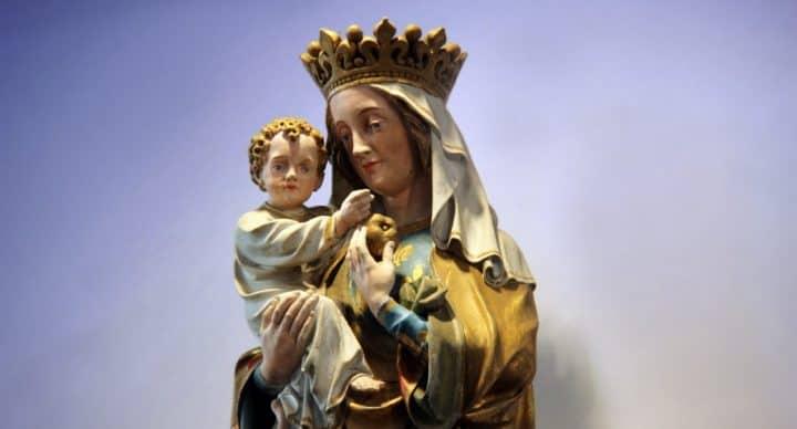 Maria dating een vrouw