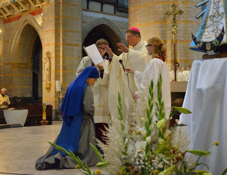maria-vrede-blauwe-zuster-eeuwige-gelofte-foto-jan-peeters