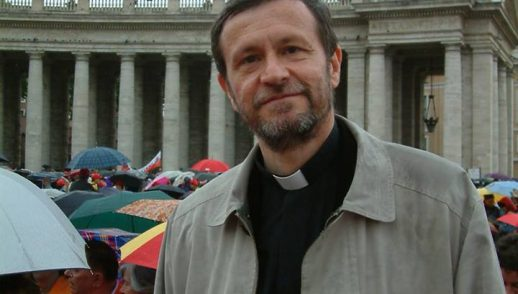 pastoor-priester-maurizio-pallu