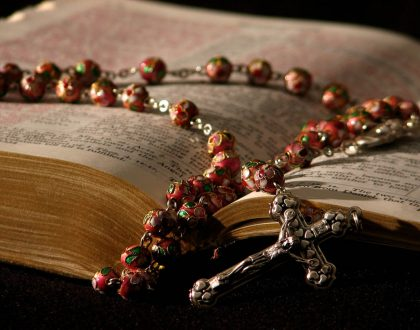 olvternood-rozenkrans-bijbel