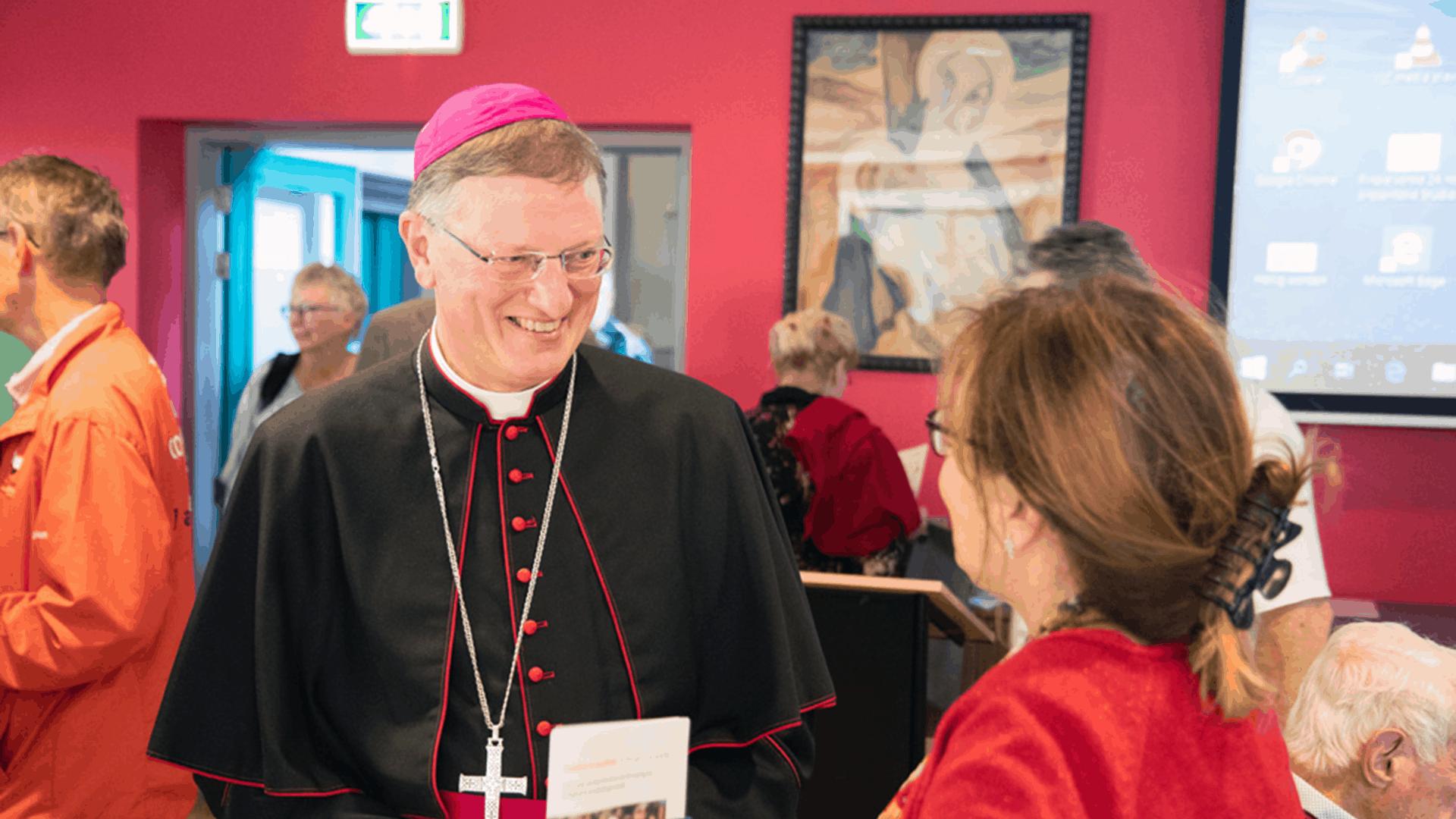 bisschop-jan-hendriks-olv-ter-nood-heiloo