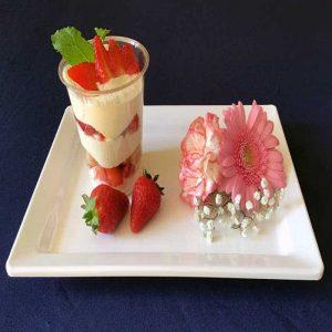 catering-gastenhuis-olv-ter-nood-tiramisu-met-aardbeien