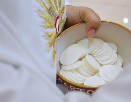 heilige-communie-lichaam-van-christus-olv-ter-nood-heiloo