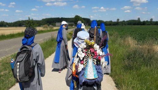 weekbrief-olv-ter-nood-blauwe-zusters-bedevaart-onderweg-rege-o-maria