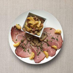 arrosto di maiale con patate arrosto, funghi e spek 1